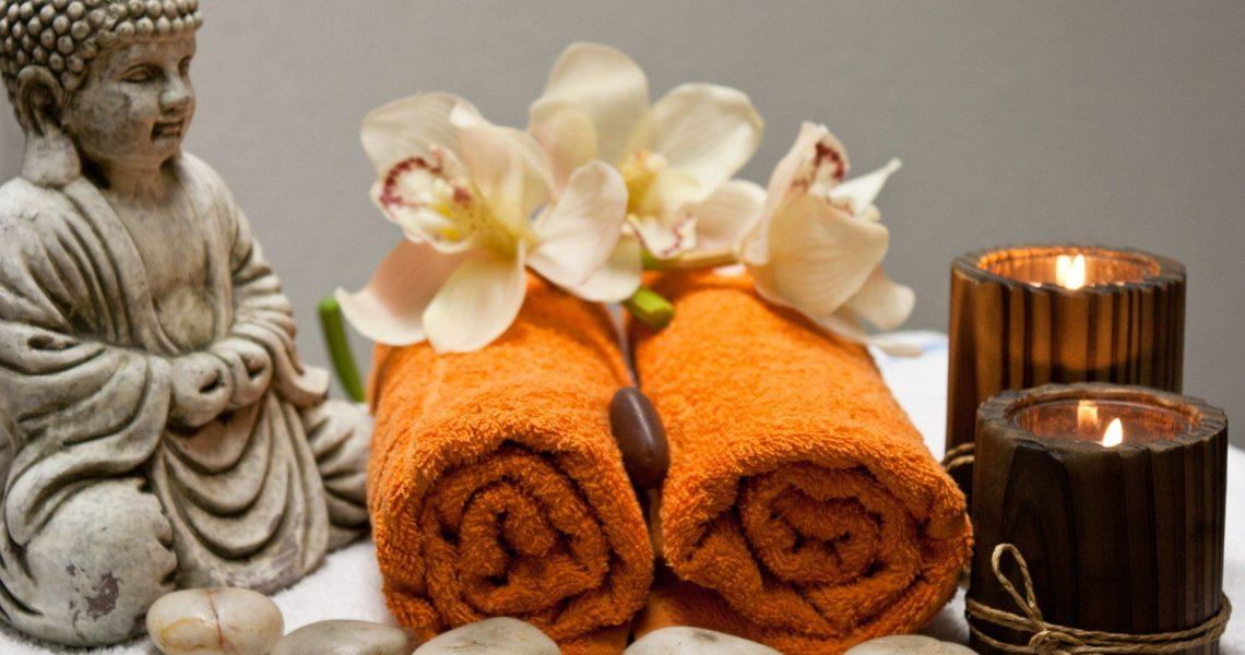 Il Massaggio Indonesiano Balinese è un trattamento esclusivo ed efficace, molto profondo, un massaggio a metà strada tra lo sportivo e l'olistico, per offrire un servizio originale per il rilassamento e il rinnovo dell'energia spirituale.